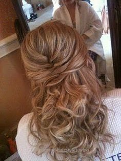 Check out this Formal Dance Hair Ideas | Formal Hairstyles for Medium Hair | Wedding Hair half up style with …  The post  Formal Dance Hair Ideas | Formal Hairstyles for Medium Hai ..