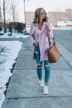 The One Trend I Keep Wearing Over and Over Again (Cella Jane) Cella Jane, V Neck Bodysuit, Fall Winter Outfits, Style Me, Mom Jeans, Autumn Fashion, Capri, Casual Outfits, Street Style