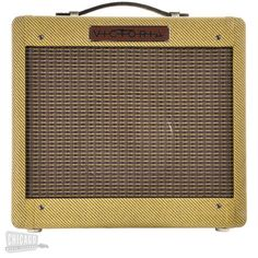 The 518 Tweed 1x8 Combo is Victoria's tribute to the 5F1 Champ, and after 40 years, this little gem continues to delight players. Aside from being an outstandin