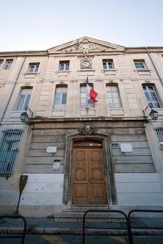 Le Collègue Bourbon (aujourd'hui Lycée Mignet) où Zola étudie six ans et se lie avec Paul Cézanne, qui inspirera le personnage de Claude Lantier des Rougon-Macquart. Aix-en-Provence.