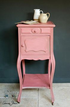 21 Ideas Vintage Pink Furniture Annie Sloan For 2019 Scandinavian Furniture, Painted Furniture, Annie Sloan Painted Furniture, Furniture, Rustic Living Room Furniture, Pink Furniture, Shabby Chic Furniture, Ikea Furniture Makeover, Chic Furniture