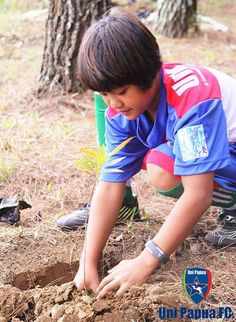 SAVE MERBABU With Uni Papua Fc Salatiga Ayo kita Selamatkan Gunung Merbabu.  #UniPapuaFootball #UniPapuaFc #Papua #Indonesia  #SepakbolaSosial #Sepakbola #FIFA #UniPapua  #coachesacrosscontinents #oneworldplayproject  #SocialFootball #salatiga #Soccer #jawatengah #savemerbabu #unipapuafootballcommunity
