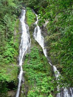 Ten Great Waterfall Hikes