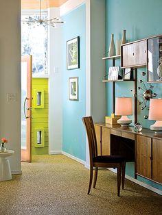 Entryway home office nook / Pequeño rincón de oficina en el recibidor - Casa Haus Decoración