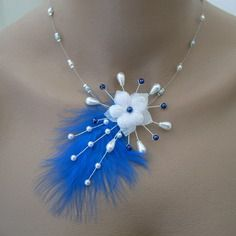 Collier bijoux original blanc/bleu roi marine électrique saphir clair p robe de mariée/mariage/ soirée/cérémonie/coktail plumes  fleur perle