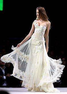 Valentin Yudashkin ~  Would make a gorgeous wedding dress!