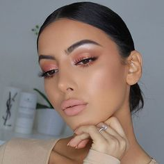 Pinky Peachy @carlibel @bhcosmetics Carli Bybel Deluxe Palette @lillylashes Opulence @tartecosmetics Matte lip paint 'Salty' Tutorial to come for both this look and my previous posts look