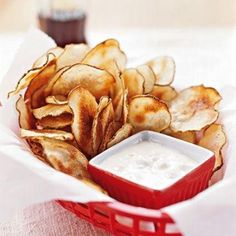 Salty Snacks - Cooking Light Potato chips with blue cheese dip. Cheese Dip Recipes, Snack Recipes, Cooking Recipes, Healthy Recipes, Fast Recipes, Milk Recipes, Simple Recipes, Yummy Recipes, Cooking Tips
