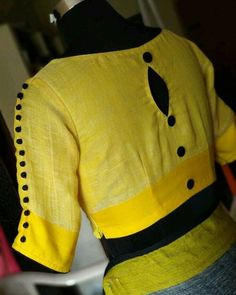Blouse Design Catalogue For Best Fancy design Blouse Design Cotton Saree Blouse Designs, Simple Blouse Designs, Stylish Blouse Design, Latest Blouse Designs, Linen Blouse, Dress Designs, Air Jordan 3, Chiffon Saree, Mehandi Designs