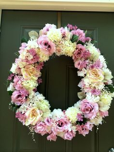 """Wedding Wreath - Suitable for """"Best Day Ever"""" sign to be placed in center."""