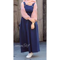 """2,886 Likes, 325 Comments - Elif  #tesettur #hijab (@eminelifbutik) on Instagram: """"Vintage kabanıyla aşk yaşıyordu dersinizzzz  . . . . . . . . . . . ☺️ Bana whatsapptan sıra gelene…"""""""