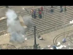 Homem é atingido por bomba durante protesto em frente à Alerj