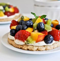 A Recipe to Share: Personal Pan Fruit Pizzas with Whole Wheat Cinnamon Sugared Crust  http://www.keyingredient.com/recipes/153954623/personal-pan-fruit-pizzas-with-whole-wheat-cinnamon-sugared-crust/  #recipe #dessert