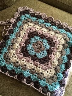 Beautiful Blanket free pattern. - Crochet Free