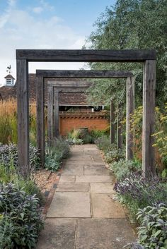 Gorgeous Garden Path and Walkways Ideas