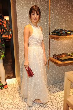 Jeanne Damas wearing a Valentino dress from the Spring 2014 collection at the Opening cocktail of the new Paris Men's store, on January Paris Jeanne Damas, Girl Fashion, Fashion Outfits, Fashion Design, Valentino Dress, Paris Mode, French Girls, Parisian Style, Mode Inspiration