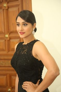 Regina cassandra in Black Gown at shourya Telugu Movie Music Launch (2) at Regina cassandra at Shourya Music Launch #ReginaCassandra