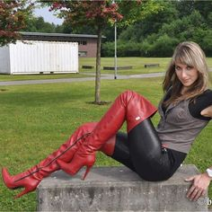 A woman in good shoes is never ugly - Tolle Frauen - Thigh High Boots, High Heel Boots, Over The Knee Boots, Heeled Boots, Shoe Boots, Shoes Heels, Botas Sexy, Hot High Heels, Sexy Heels