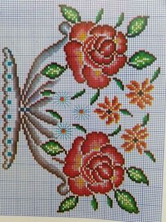 This Pin was discovered by Nur Kawaii Cross Stitch, Cross Stitch Rose, Cross Stitch Flowers, Filet Crochet, Crochet Motif, Crochet Flowers, Cross Stitching, Cross Stitch Embroidery, Embroidery Patterns