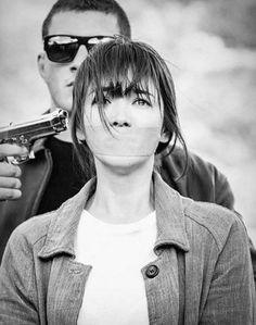 "[Spoiler] ""Descendants of the Sun"" Song Hye-kyo gets kidnapped"