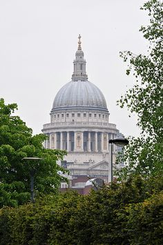 St Paul's Cathedral London UK (c) 2012 Ian Phipps