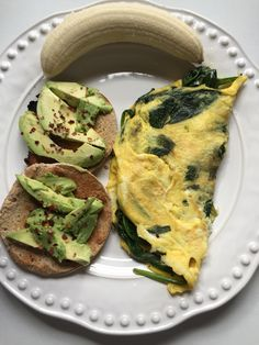 Spinach and feta omelette, multigrain rolls with avocado and a banana to start the day Healthy Cooking, Healthy Eating, Healthy Food, Healthy Munchies, Whole Food Recipes, Healthy Recipes, Healthy Breakfast Options, Spinach And Feta, Love Food