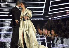 Rihanna y Drake podrían haber roto su relación (otra vez) - http://www.notiexpresscolor.com/2016/10/12/rihanna-y-drake-podrian-haber-roto-su-relacion-otra-vez/
