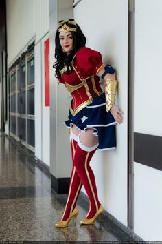 Spectacular Steampunk Wonder Woman And Power Girl Cosplay