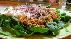 Špenátový šalát s korenenou šošovicou a kozím syrom (fotorecept)