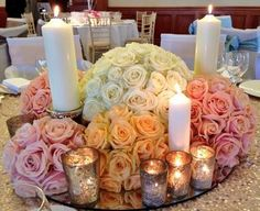 The Meijer Roses collection, Avalanche+, Sweet Avalanche and Pearl Avalanche, in a centerpiece design by Blomster Designs! (photo by @RussellNew1 on Twitter)