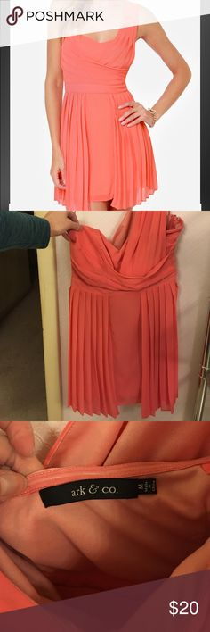 Lulus Coral prom/formal/bridesmaids dress medium Only Worn once for a wedding I was in! Size medium formal coral dress. Could be worn to a wedding, night out, prom, etc. Bought from lulus website 😊 very comfortable formal falls above the knee! Make me an offer ❤ questions welcomed! Thanks! Lulu's Dresses One Shoulder