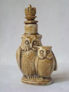 German Schafer & Vater Figural Porcelain Crown Top Perfume Scent Bottle pre 1939.