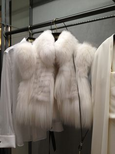 fashion, fur, and white-bilde