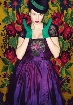 Sportalm Dirndl PURPLE and GREEN, roses, hat, gorgeous