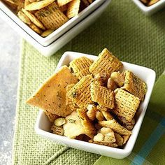 Party mix without all the watching and stirring! Your slow cooker does all the work for this low-calorie nut and cereal snack. Diabetic Meal Plan, Diabetic Snacks, Diabetic Recipes, Low Carb Recipes, Picnic Side Dishes, Main Dishes, Diet Center, Snack Mix Recipes, Salty Snacks