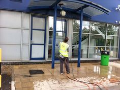 Professional window cleaning, contract cleaning and commercial cleaning servicing Essex, London and Basildon. Professional cleaning service which prides itself on customer satisfaction. We work with business and residential customers, providing a rel Mel Cleaning