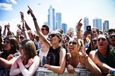 The second day of Lollapalooza 2016 (July was a little drier, and a little muggier, than the first. It was also a lot more packed (festivals with Thursda. Bull Tv, Two Door Cinema Club, Leon Bridges, Major Lazer, G Eazy, Lollapalooza, Radiohead, Music Industry, 25th Anniversary
