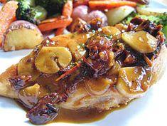 Przepis na Piersi z kurczaka w sosie z suszonych pomidorow - MniamMniam.com French Toast, Pork, Chicken, Meat, Breakfast, Kale Stir Fry, Morning Coffee, Pork Chops, Cubs