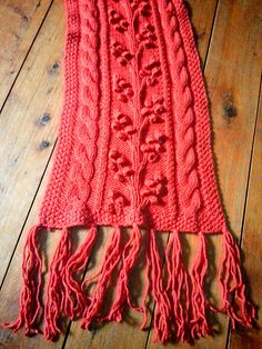 Ravelry: Project Gallery for Regina Cable & Bobble Scarf pattern by SmarieK- free pattern