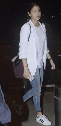 Anushka Sharma at the Mumbai airport. #Bollywood #Fashion #Style #Beauty