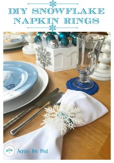 Making a set of DIY Snowflake Napkin Rings to go with my snowman tablescape was an inexpensive and very easy 10 minute craft. I used items from the dollar store to put these together. Snowflake Craft, Christmas Snowflakes, Christmas Diy, Christmas Napkin Rings, Christmas Napkins, Mistletoe Diy, Diy Rings, Diy Napkin Rings, Snow Flakes Diy
