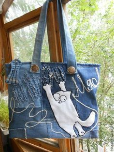 Diy Bag Hobo Recycled Denim Ideas For 2019 Denim Handbags, Purses And Handbags, Sacs Tote Bags, Diy Sac, Jean Purses, Denim Purse, Cat Bag, Diy Handbag, Handmade Handbags