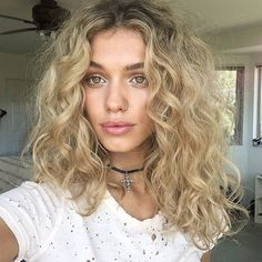 Amazing Blonde Short Curly Hairstyles 2018 - Best Short Hairstyles