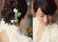 A beautiful succulent hair accessory!