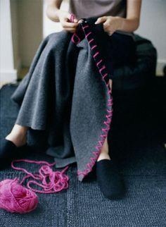 DIY: hot pink blanket stitch on grey- pinned by www.auntbucky.com #DIY #crafts #knitting