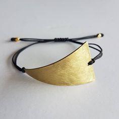Brass bracelet gift for her adjustable bracelet brass jewerly geometric bracelet minimalist bracelet gold bracelet triangle bracelet Brass Jewelry, Leather Jewelry, Clay Jewelry, Jewelery, Bohemian Bracelets, Metal Bracelets, Jewelry Bracelets, Gold Armband, Bijoux Design