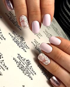 False nails have the advantage of offering a manicure worthy of the most advanced backstage and to hold longer than a simple nail polish. The problem is how to remove them without damaging your nails. Spring Nails, Summer Nails, Fall Nails, Trendy Nails, Cute Nails, Hair And Nails, My Nails, Wedding Nails Design, Nail Wedding