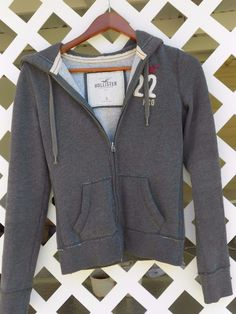 Hollister California 1922 Charcoal Gray Hoodie Juniors Size S Zipper Front #Hollister #Hoodie