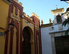 """#Córdoba - #Cabra - Ruta del Califato 37º28' 15"""" -4º 26' 46"""" Entre el recorrido de esta ruta, de Córdoba a Granada, encontramos esta bella y monumental localidad. Qabra, así llamada por los árabes, se convierte en capital de una cora de gran tamaño, que domina una extensa región a su alrededor y a buena parte de los pueblos que la rodean."""