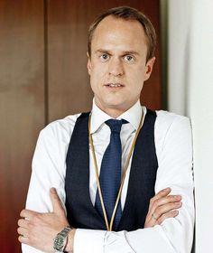 """TV-Makler Alexander Posth hört bei """"MIETEN, KAUFEN, WOHNEN"""" auf  Interessante Neuigkeiten aus der Welt auf BuzzerStar.com : BuzzerStar News - https://www.buzzerstar.com/tvmakler-alexander-posth-hoert-bei-mieten-kaufen-wohnen-auf-eb78a6c58.html"""